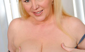 Anilos Venice Knight 22967 Anilos housewife Venice Knight plays with her shaved pussy while home alone