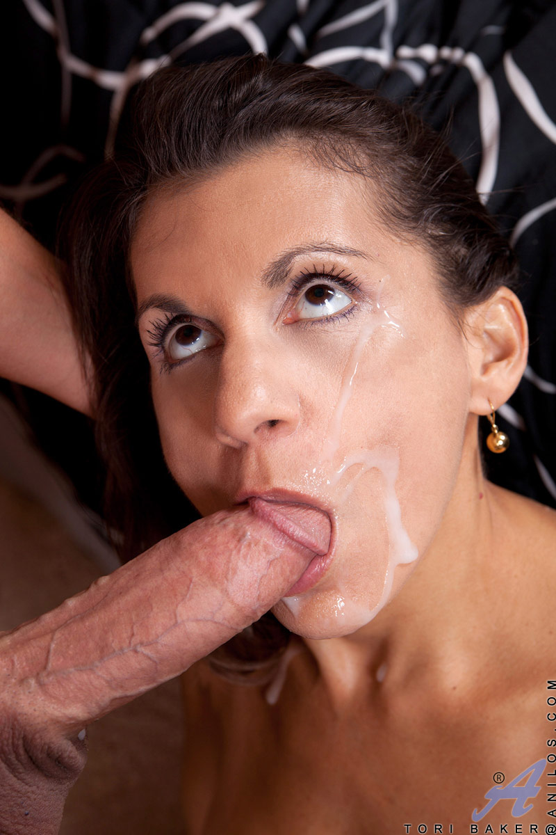 Wounderfull anilos gilly rides a cock the