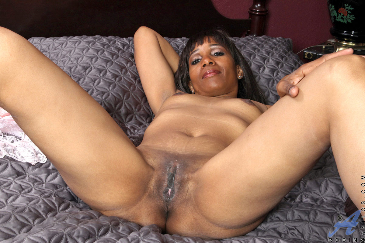 Black mature old pussy