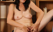 Anilos Renie Classy Anilos Renie shows off her milf pussy and tight asshole