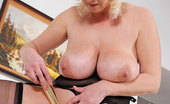 Anilos Kimi 23702 Naughty Anilos Kimi tortures her cougar snatch with a dildo