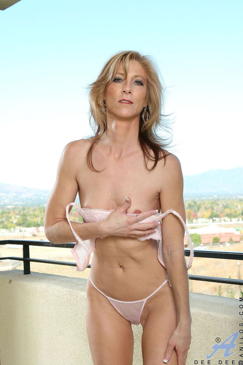 Anilos Dee Dee Attractive Mature Woman Spreads Her Petite Pussy