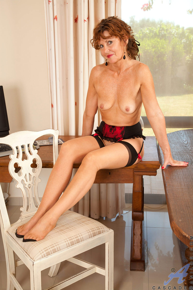 Xxx secretary under table pictures porn videos