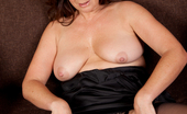 Anilos Carol Foxwell 24194 Anilos newbie spreads her wet milf pussy