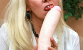 Anilos Cala Craves Ravenous Anilos blonde grandma satisfies her seasoned pussy by masturbating with an amazing fuck machine
