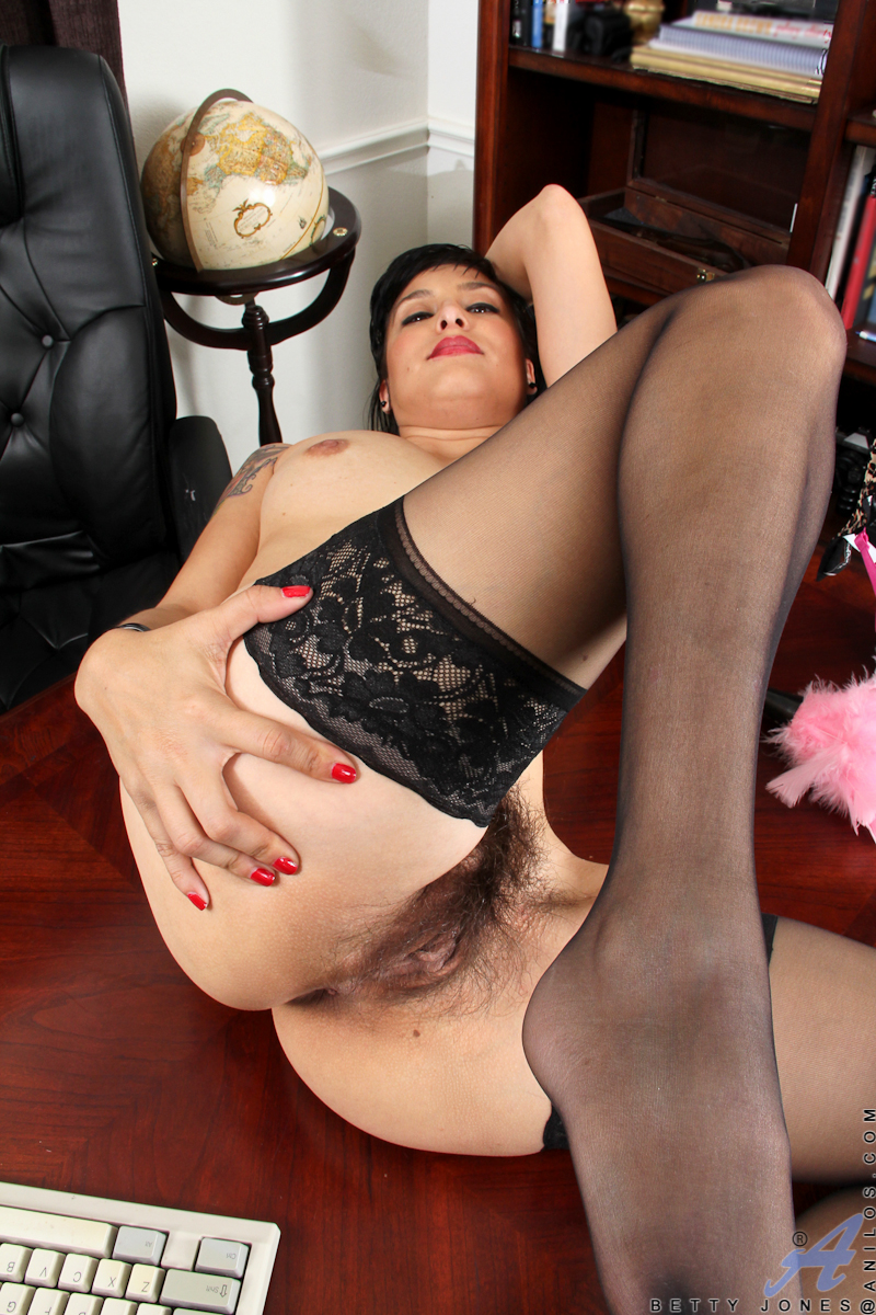 Betty Chen  nackt