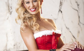 Twistys Cherie DeVille 24660 Cherie DeVille teases her clit on Christmas eve