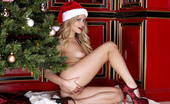 Twistys Mia Malkova Mia Malkova is posing erotic teenie style on Christmas day