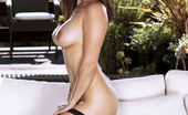Twistys Sunny Leone 25551 Sunny Leone rubs with her fingers up and down her beaver