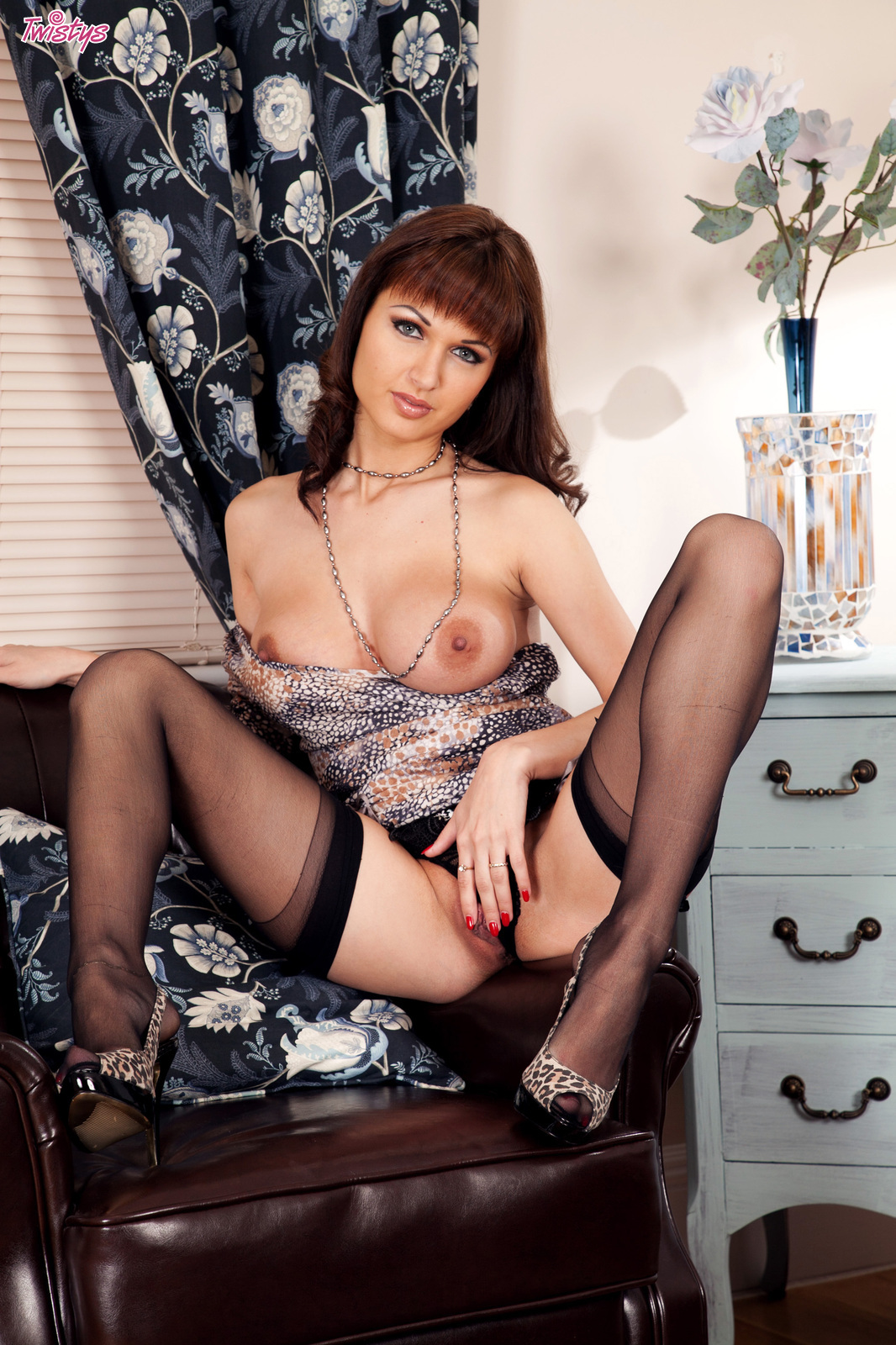 Смотреть порно роксана милан 10 фотография