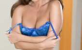 Twistys Melissa Jacobs Melissa Jacobs catches up on her long overdue masturbation session