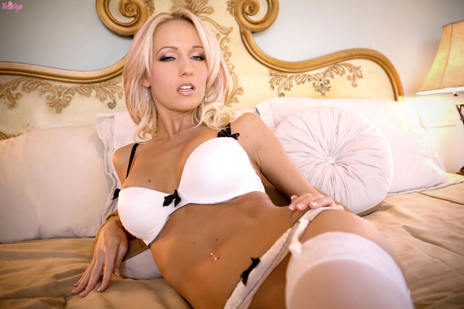 image Brooke van buuren loves jerk your cock off