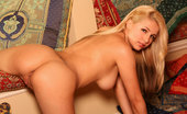 Twistys Sandy Summers Sandy Summers horny for a one night