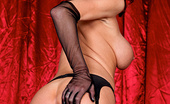 Brazzers Veronica Avluv Boobies Over Broadway It's 1950 and Broadway starlet and pinup model Veronica is the sought-after beauty queen of just abo...