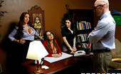Brazzers Sativa Rose,Kelly Divine,Kianna Dior IT's Day Dreams Johnny is a miserable IT worker at a firm with three smokin' ladies. And while Kelly, Kianna and Sat...