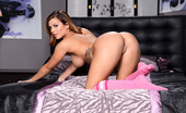 Brazzers Keisha Grey Slutty Sitter Keisha has been babysitting for Bill Bailey's ex wife, so when he goes over to pick up his little on...
