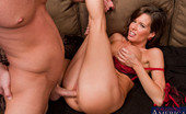 Naughty America Veronica Avluv Guy fucks his friend\'s mom