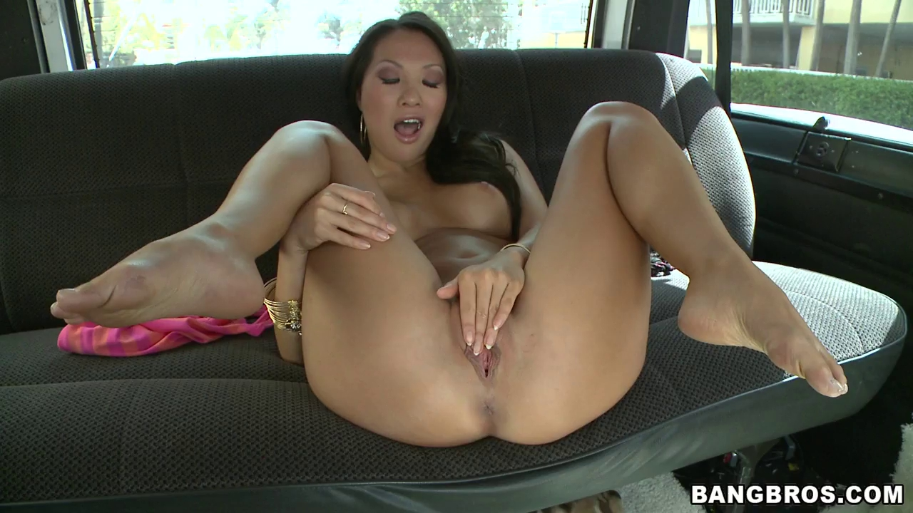 nude holly sampson sex