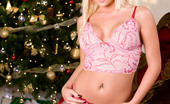 Penthouse Shawna Lenee Shawna Lenee is one Christmas present that you'll definitely be ripping the wrapping off of early this holiday season, which is great as this wildcat is rearing to go and loves her sex frenzied and spontaneous!