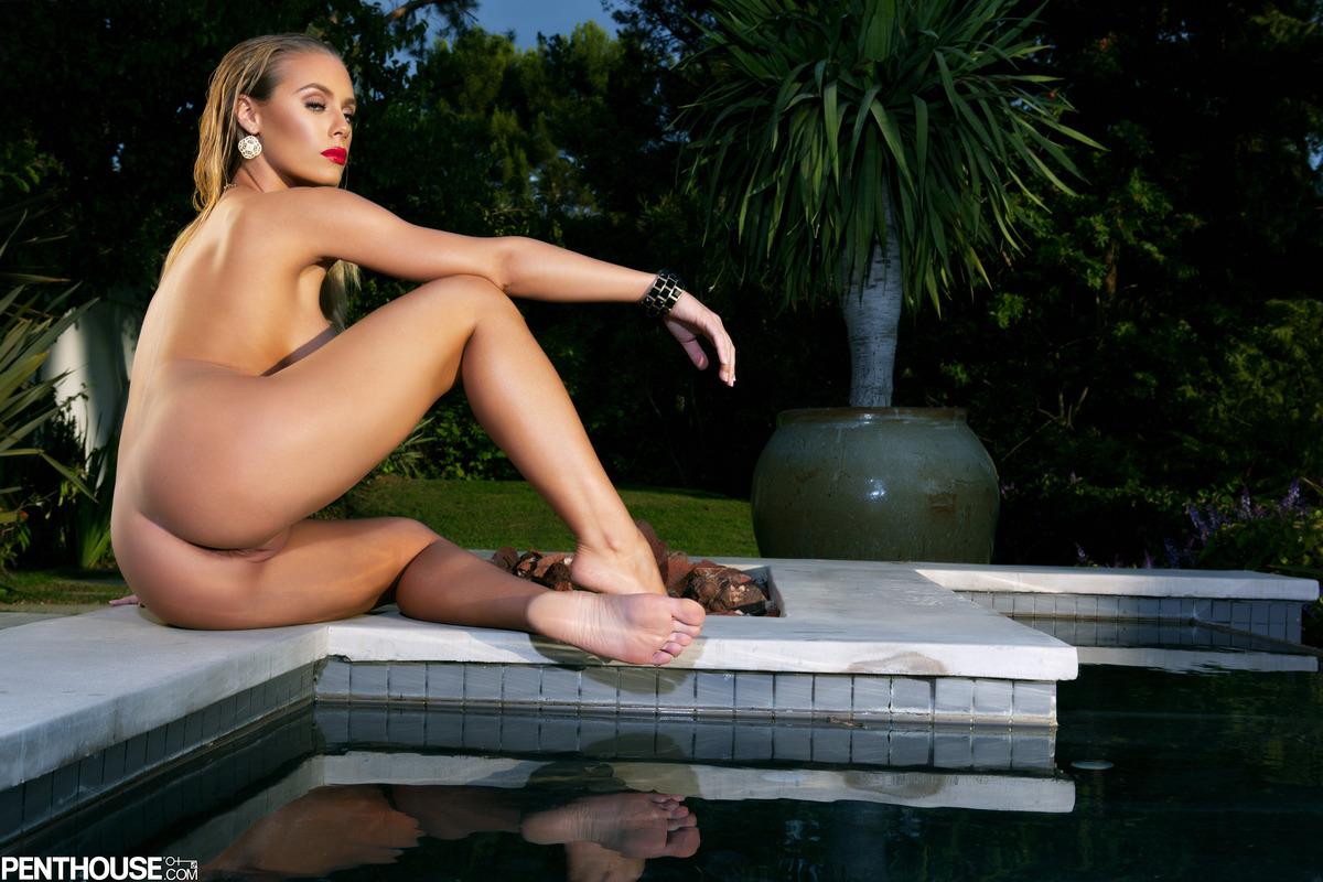 Nackt Nicole Tuck  Who is