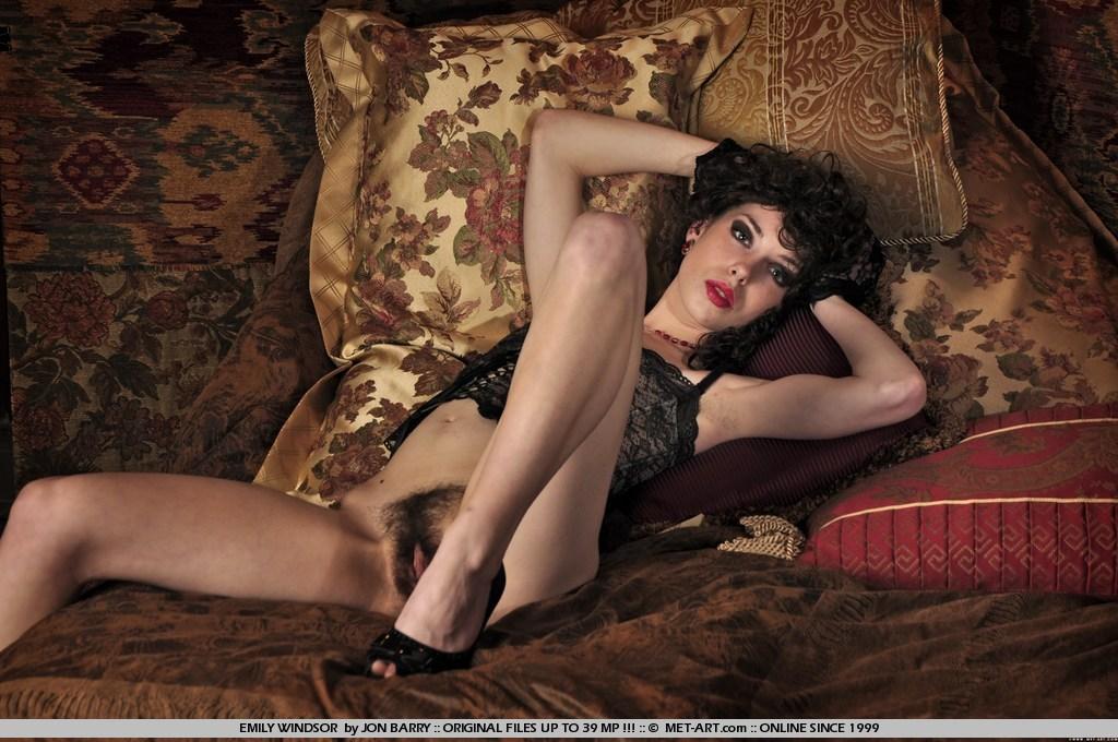Nackt  Sarah Winsor Hot Leak