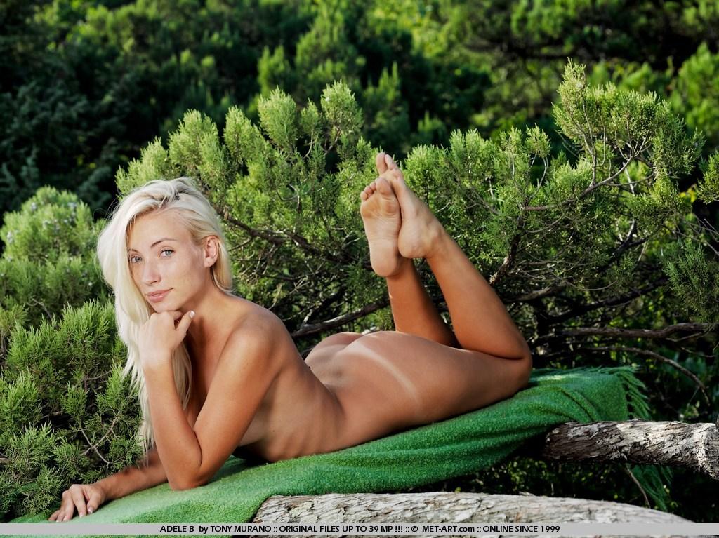 nackt Gigantes Adèle Naked Charlotte