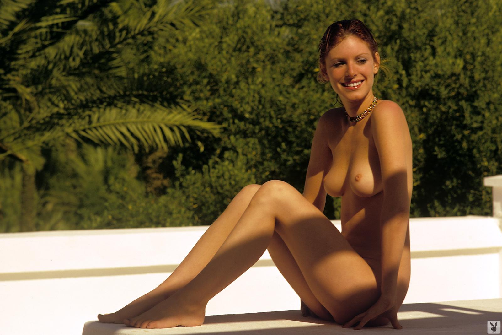 Nackt  Gwen Welles Nudity in