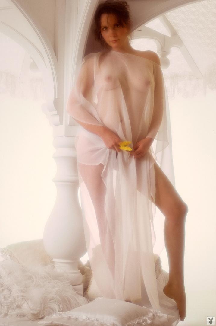 Tisa Farrow  nackt