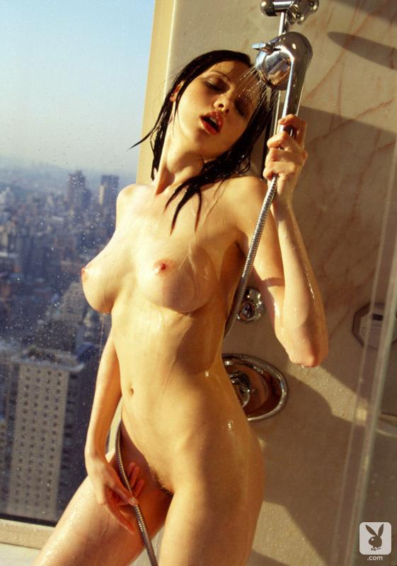Angela Kerecz  nackt