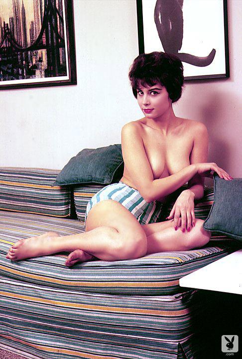 Nancy Dow  nackt