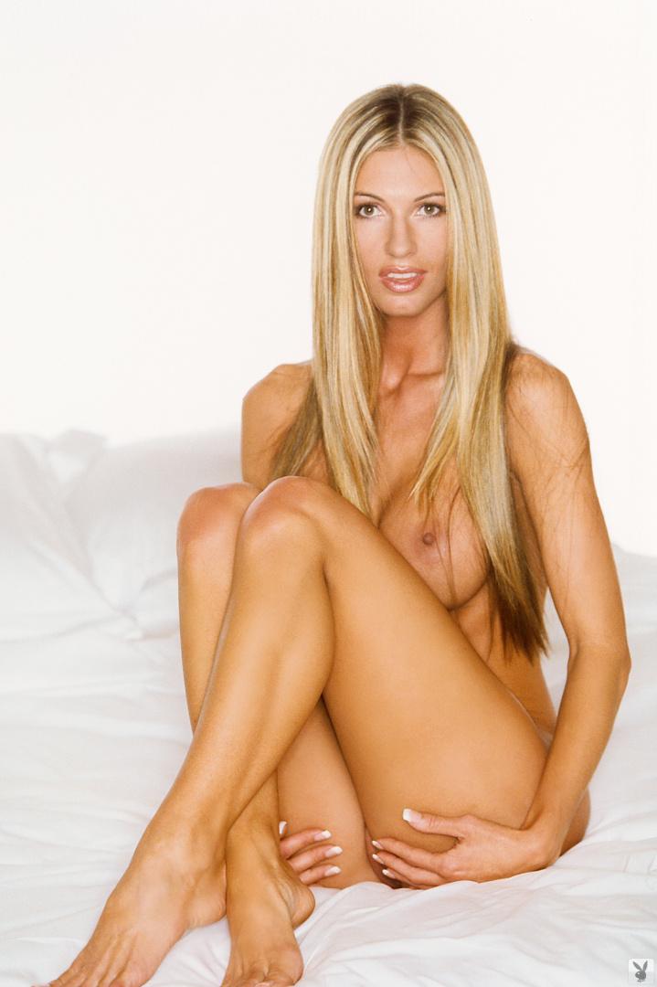 Stephanie Shepherd  nackt