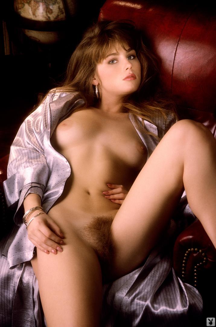 Karen Thomas  nackt
