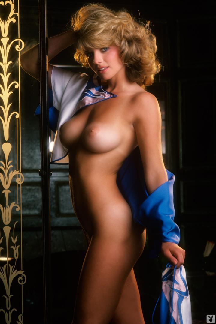 Dawn Vaughn  nackt