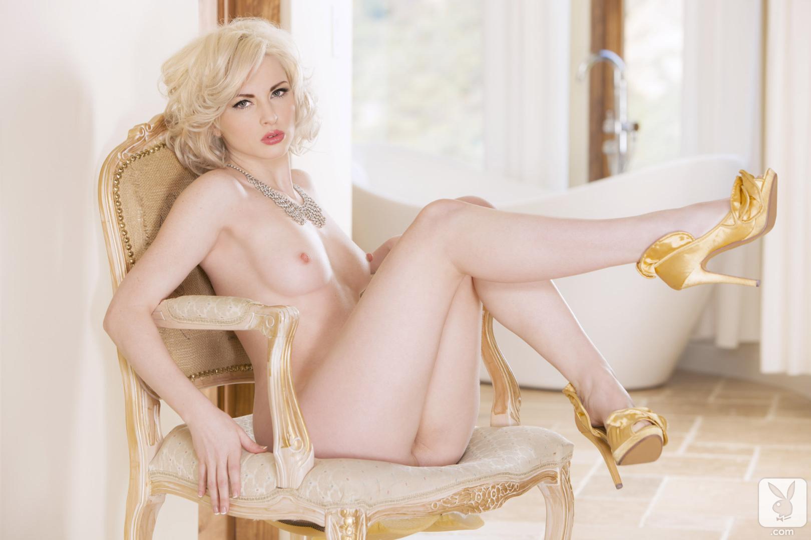 White nackt Carissa  Carissa White