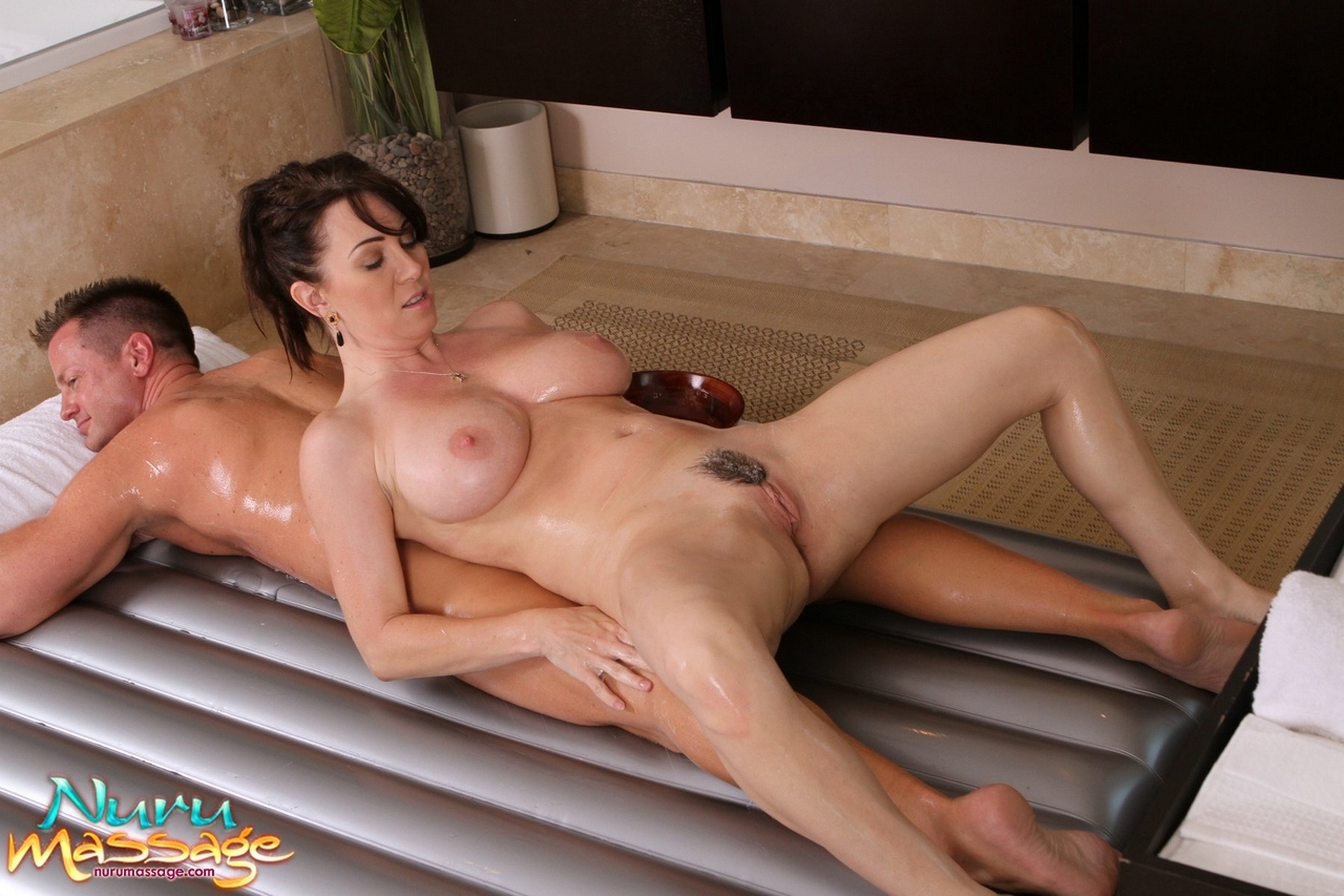 rayveness nuru massage Le Chesnay
