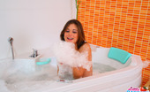 Little Caprice pic_shaving02 Sexy Little Caprice shaves her wet-dripping pussy in the foam bath