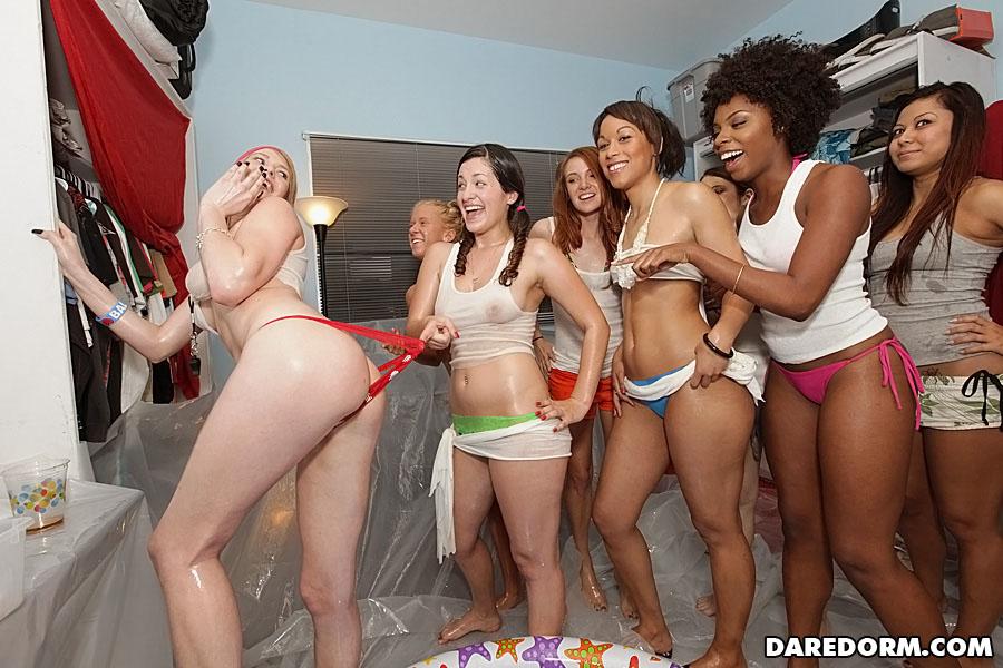 Phillipino Club Girls Pussy Upskirt Video