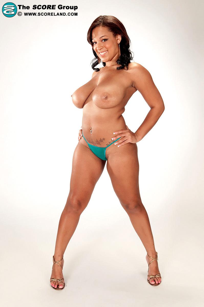 Natasha Dulce Escort