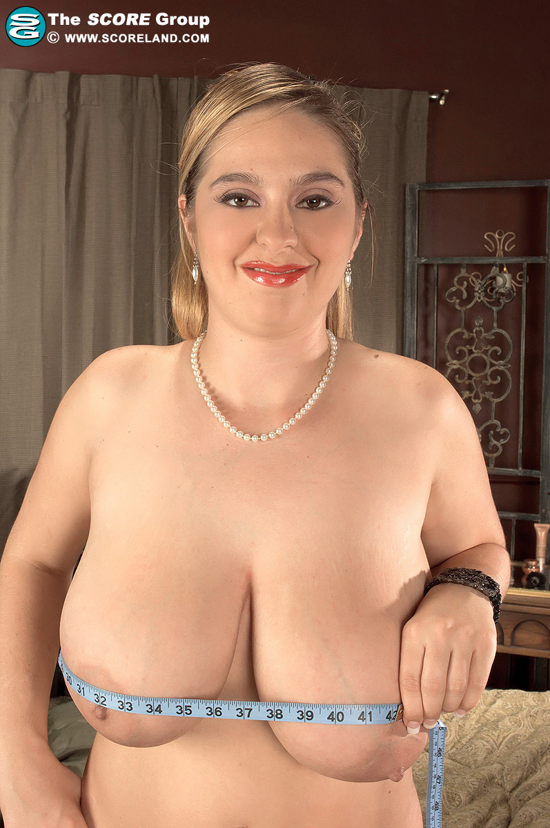 Mature pantyhose femdom
