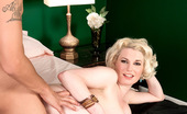 Scoreland Goldie Ray 65733 She's Sexy And She Knows It
