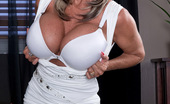 Scoreland Sally D'Angelo Hot Mama