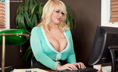 Scoreland Rockell 65875 The Hot Secretary