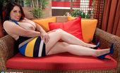Scoreland Elle Flynn Top-heavy Temptress