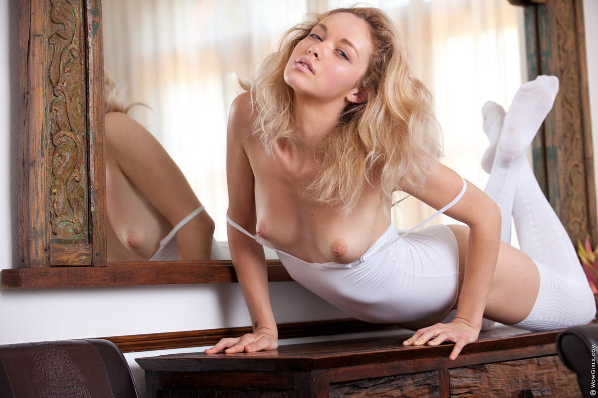 Lady Madonna  nackt