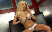Gina Lynn Mature blonde Gina Lynn getting drilled by a big dick