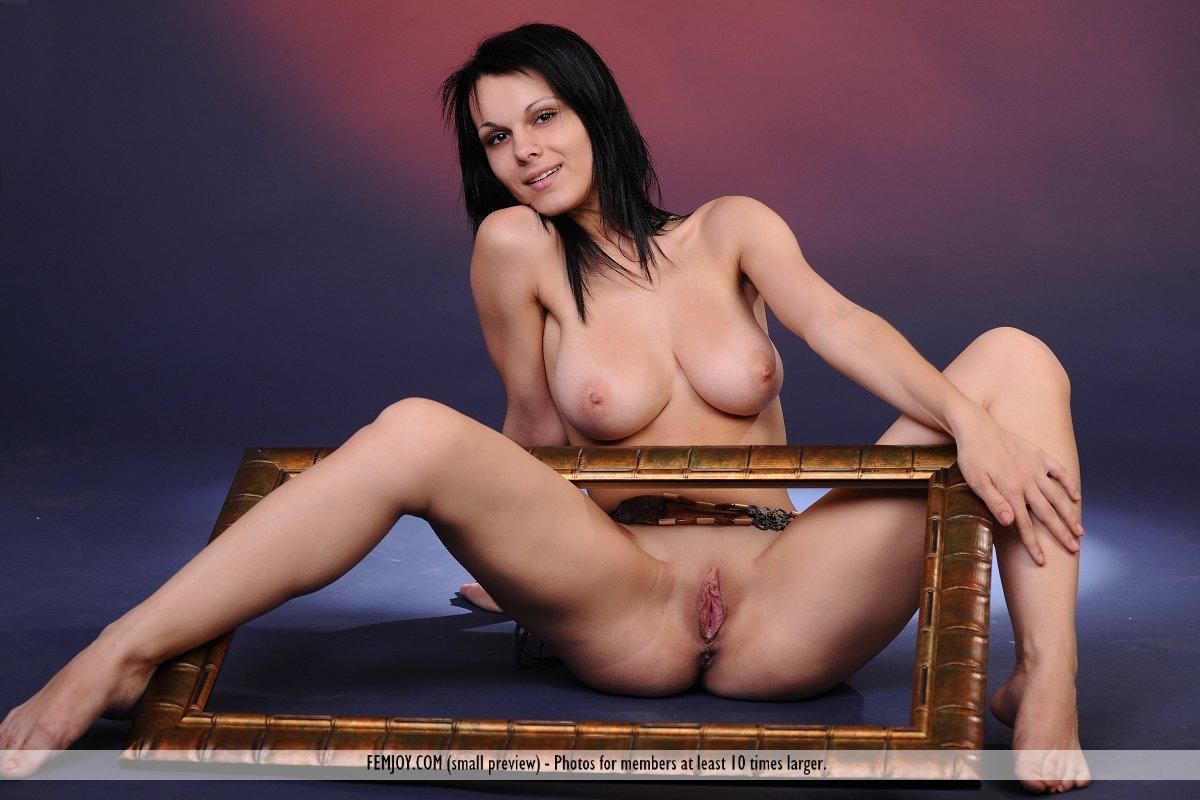 Nackt  Lydia Leonard Lydia Hearst