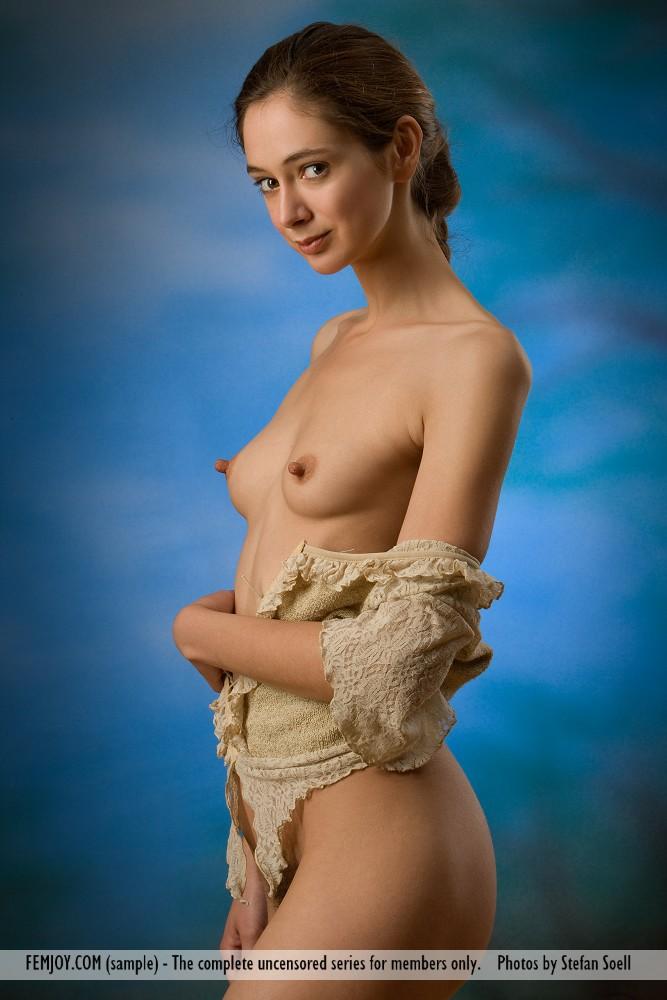 Nackt Corinne Nobili  11 Most