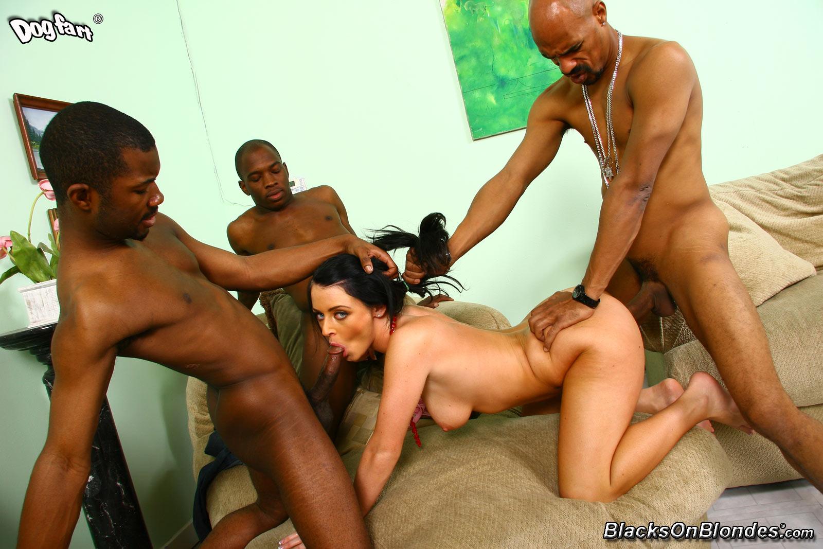 Секс три чёрных члена 14 фотография