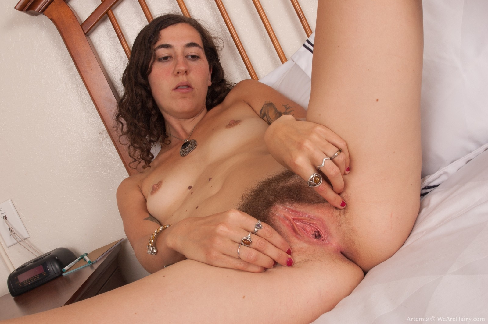 image Hairy lesbian holly has sex with her new housemate