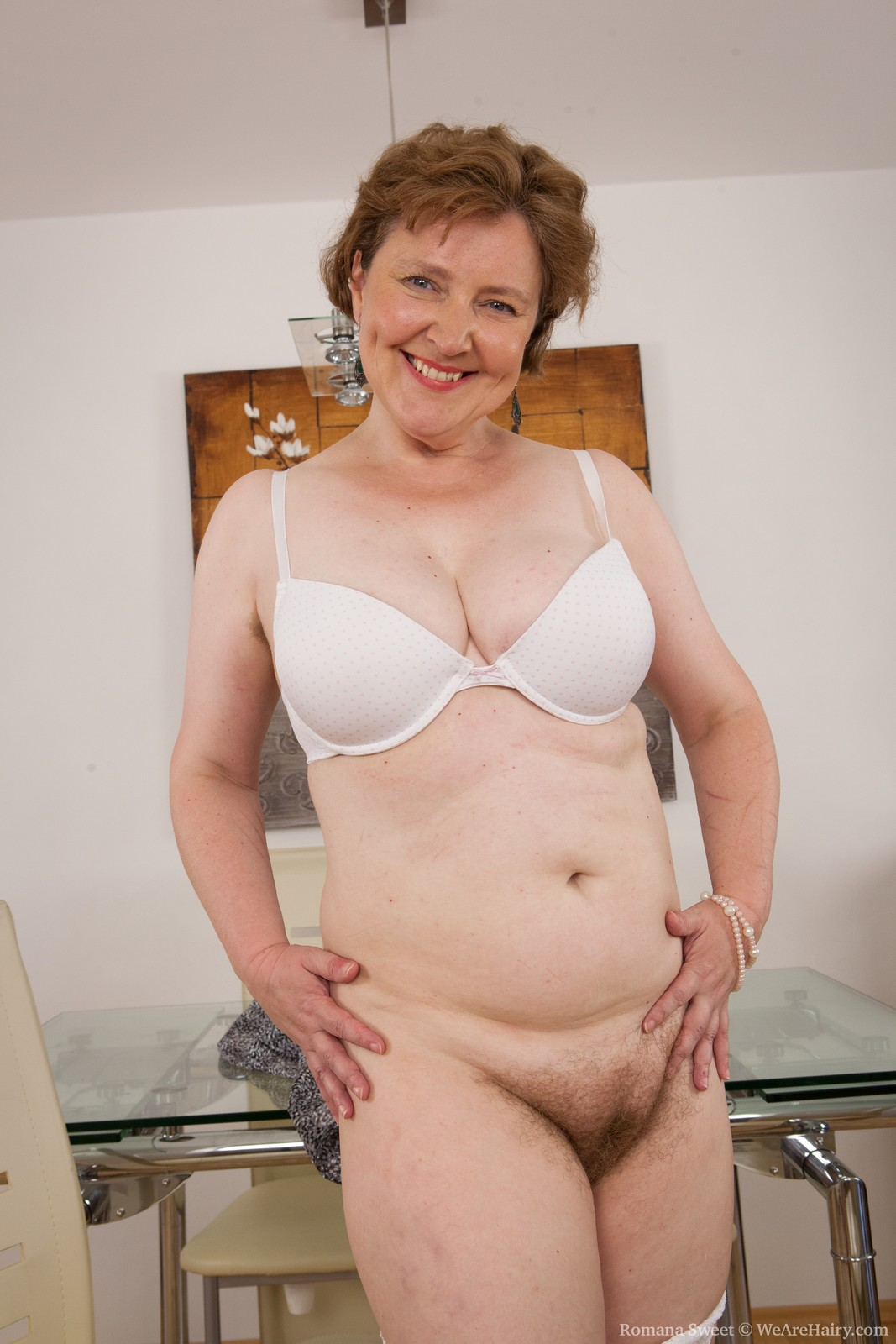 Question very old big woman n a